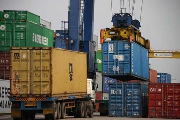 Biaya – Biaya Yang Berkaitan Dengan Handling Barang Ekspor Impor Pada Saat di Pelabuhan